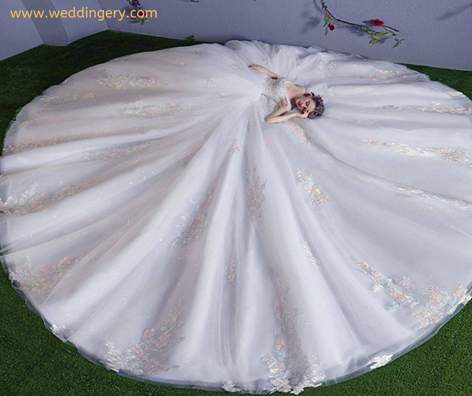 2019 Wedding Dress Trends To Know About https://www.weddingery.com