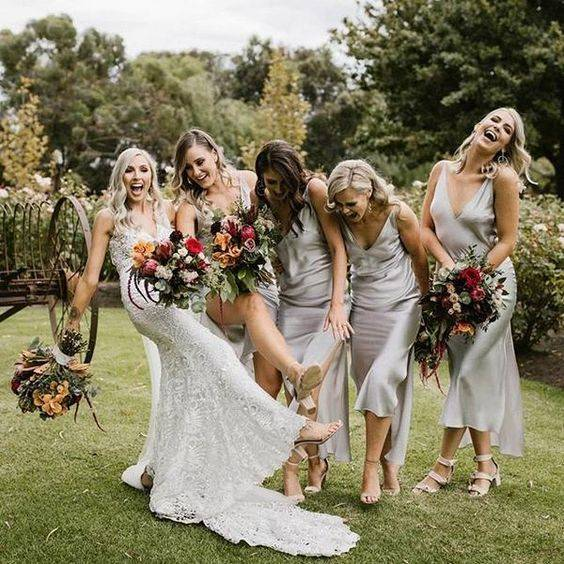 Trends and Tips for Choosing Bridesmaids Dresses https://www.weddingery.com