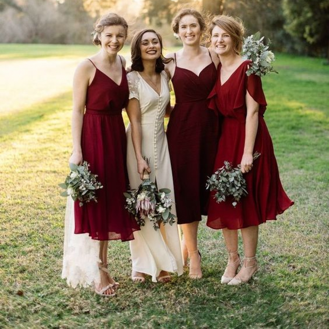 Gorgeous burgundy wedding colors https://www.weddingery.com